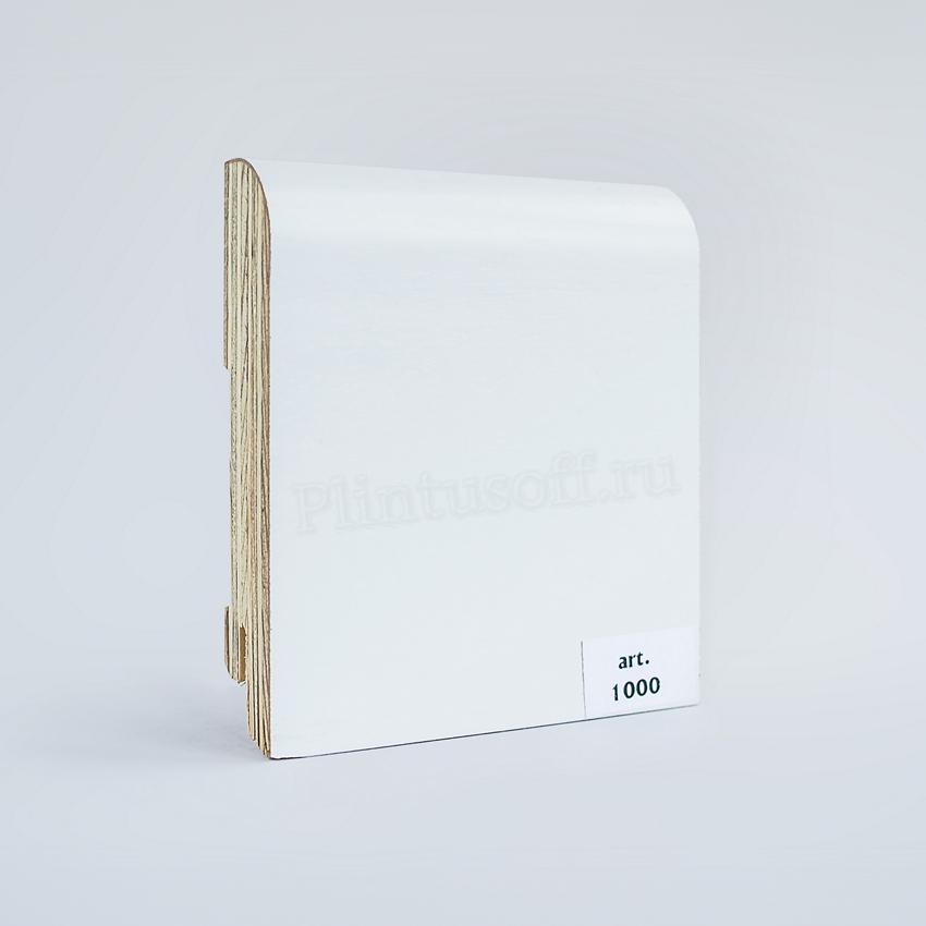 Белый деревянный плинтус